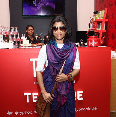 Is it Typhoo Konkona is looking for  at Lakme Fashion Week ? We just love how our purple colours match up to her stylish look