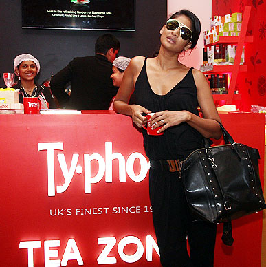 Supermodel Carol Gracias takes her time off and rejuvenates herself with a cup of her favourite flavour at Typhoo Tea Zone in Lakme Fashion Week