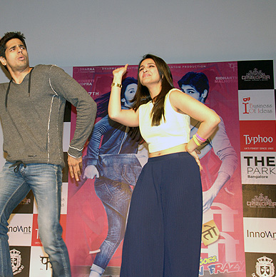 Was it Typhoo that made Sid and Parineeti sooo senti-mental in Bangalore?? We did have a great time. It was awwwww  cucking frazy !